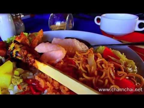 อาหารบุฟเฟ่ เมืองบาหลี อินโดนีเซีย