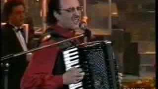 Re: Eduardo De Crescenzo - E la musica va