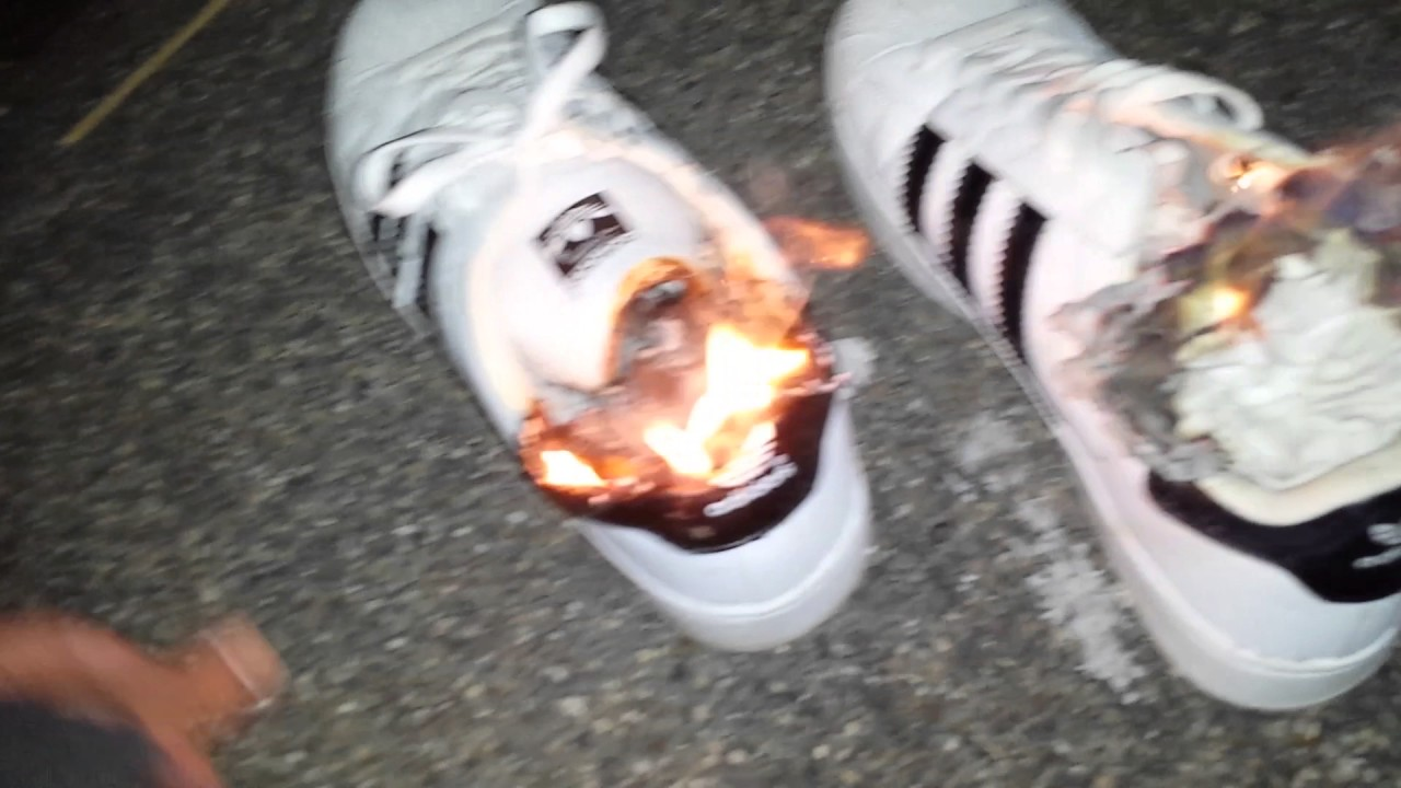 adidas superstars hell