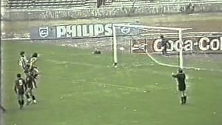 1987-88 - Campeonato Argentino - Fecha 37 - Instituto CBA 0 - 0 Newell