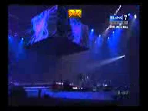 Konser Energi Rock Never Dies Kotak band feat bondan prakoso - Terbang