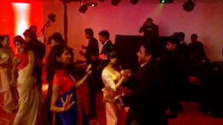 Surprise Dance Act -(Tu Mere Agal Bagal Hai + Adare hithenawa dakkama)