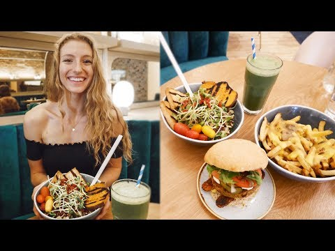 WHAT I EAT IN A DAY VLOG | Vegan Lunch Date in Toronto thumbnail