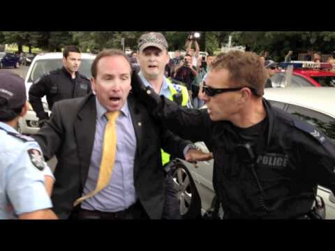AFP Officer attacks Julia Gillard's Minder