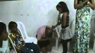 Emily Cristiny sendo usada pelo espirito santo AD Minist  Arca de Deus em São Matheus 17 09 2013 thumbnail