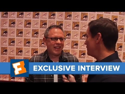 Twilight Breaking Dawn - Bill Condon Exclusive Interview | Comic Con | FandangoMovies