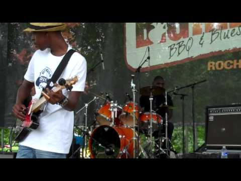 """Cedric Burnside Project """"Shake Em on Down"""" Live in Rochester NY"""