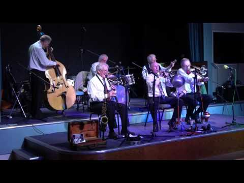 NEW ORLEANS JAZZ BANDITS AT JAZZ FESTIVAL HEMSBY MARCH 2017