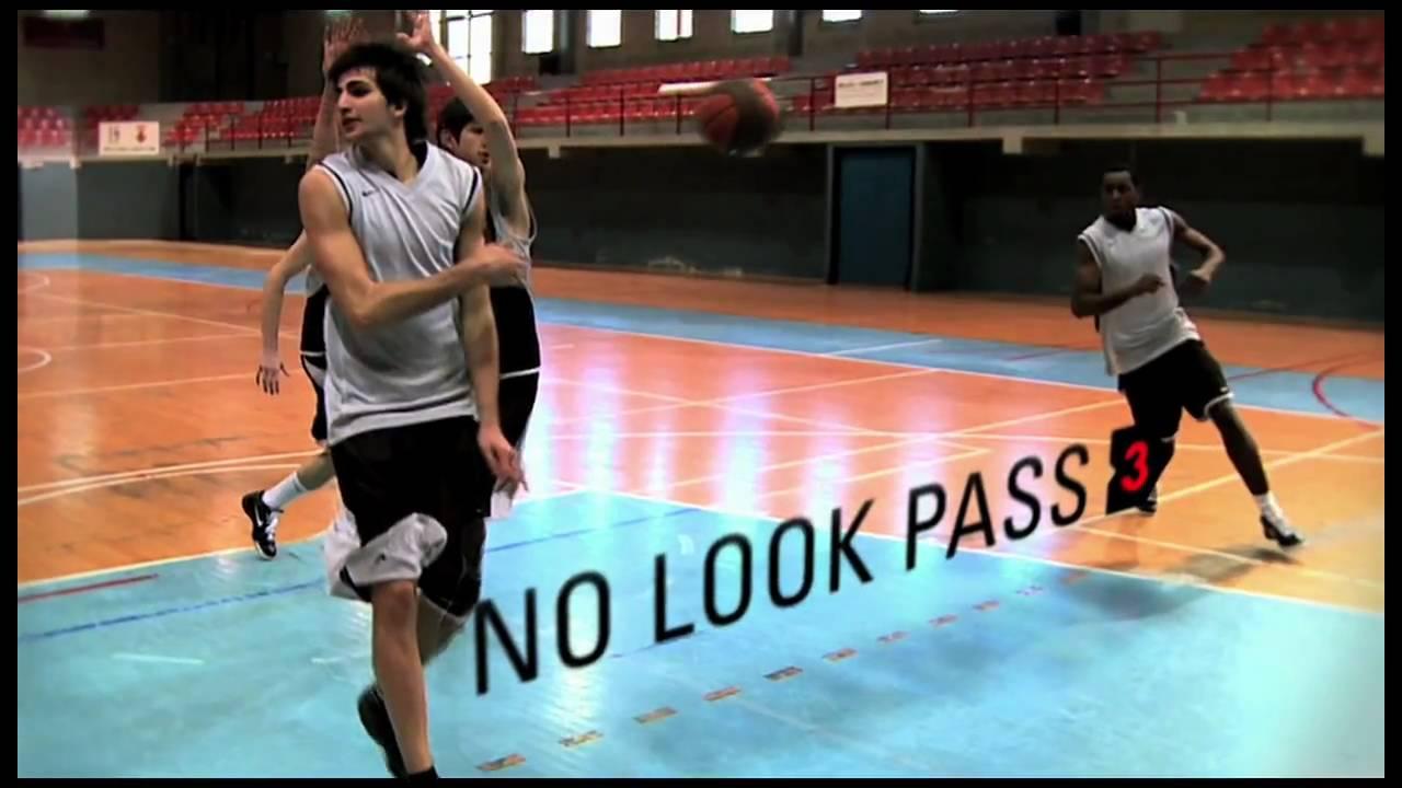 Một cú chuyền No-Look Pass của Ricky Rubio. Ảnh: Internet.