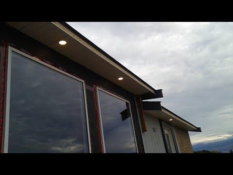 Installing New Soffits - Mobile Home Renovation : E037 / BC Renovation Magazine