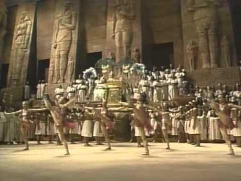 AIDA Metropolitan Opera- Act 2-Scene 2 (Triumphal March) -Subt en Espanol