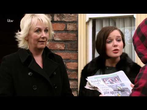 Coronation Street - Rosie Is Arrested for Drug SmugglingKaynak: YouTube · Süre: 1 dakika7 saniye