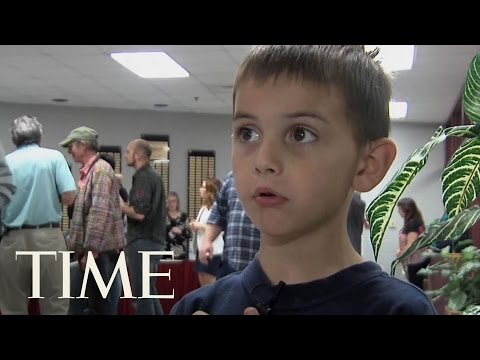 A Seven-Year-Old Challenges Mexican Border Wall At Arkansas Town Hall | TIME