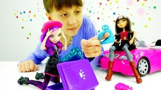 Видео про детские игрушки Монстер Хай: Кукла Евер Афтер Хай перепутала чемодан. Игры для девочек