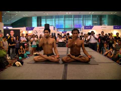 "2014 Asia Yoga Conference ""Yogaraj C.P. and Prateek Arya - Where Power meets Flexibility"""