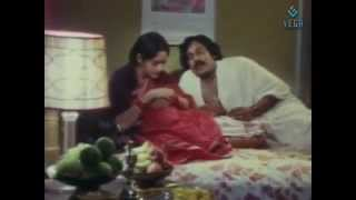 Valentines Day Romantic Scenes : 47 Natkal Movie