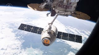 Canadarm2 releases the SpaceX Dragon cargo ship