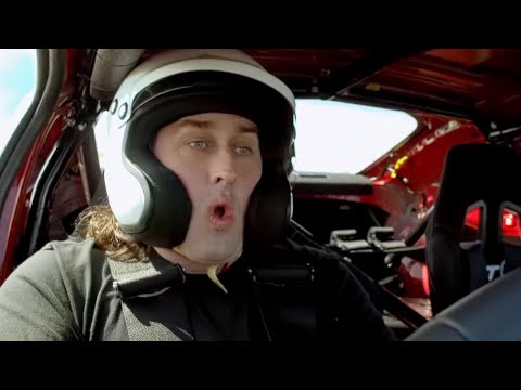 Ross Noble's Kahn Defender and GT86 Lap Time | Top Gear