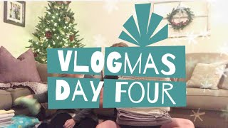 VLOGMAS DAY 4: Christmas Tag Q&A 🎄
