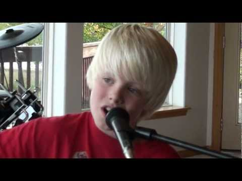 Justin Bieber - Mistletoe acoustic cover by 10 yr old Carson Lueders