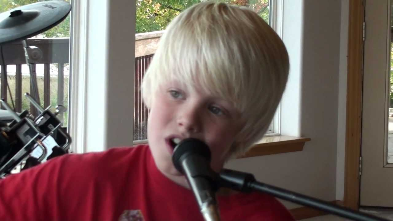 Justin Bieber — Mistletoe acoustic cover by 10 yr old Carson Lueders