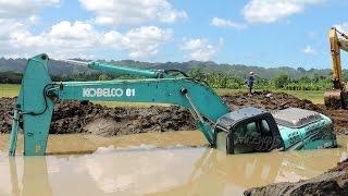 Excavator Stuck In Mud Kobelco SK200 Heavy Recovery Extended