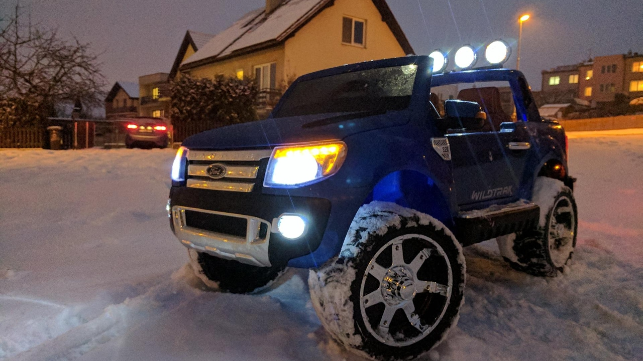 Viktor Driving Kids Ford Ranger Wildtrak 005 Snow
