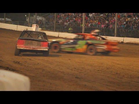 Dallas County Fair 2014 Figure 8 Races