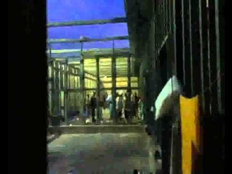 Lancio di lacrimogeni al di CIE Gradisca d'Isonzo (GO) 8 agosto 2013