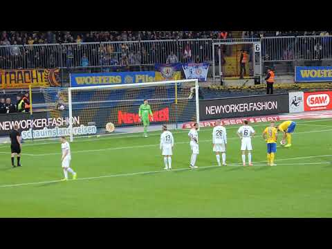 missed-penalty-eintracht-braunschweig-vs-kfc-uerdingen