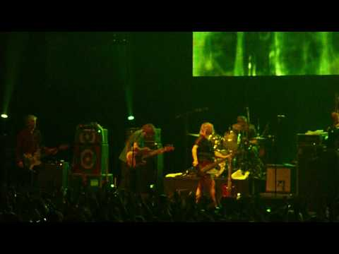 Sonic Youth - Teenage Riot (Live at Pepsi Fest 2009 Santiago, Chile)
