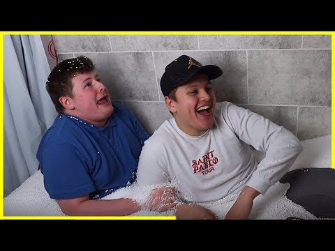 FAT MAN BATHES IN POLYSTYRENE  With Callum MARKIE and Lewis Buchan