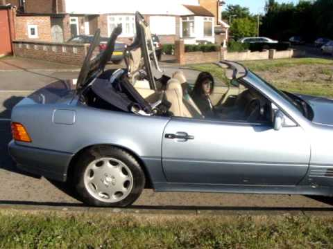 mercedes sl 300 opening roof youtube. Black Bedroom Furniture Sets. Home Design Ideas