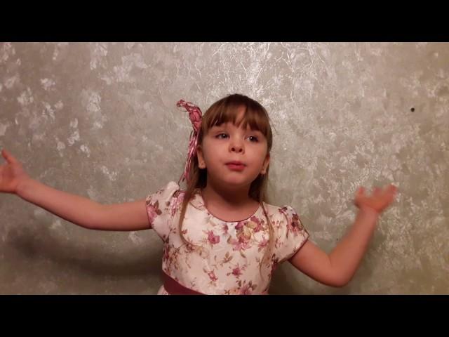 Изображение предпросмотра прочтения – МарияГарькавская читает произведение «Послушайте! (Послушайте! Ведь, если звезды зажигают…)» В.В.Маяковского