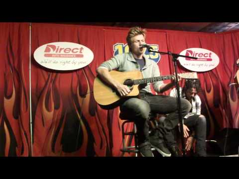 "Nick Carter ""Quit Playing Games With My Heart"" Acoustic Performance"