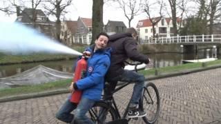 Proefkonijnen - Champagne halen op een fiets zonder ketting