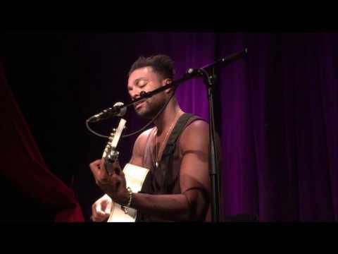 Get Away - Austin Brown Microphone & Guitar Live in Paris
