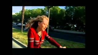 Hajdi Korošec - Tvoj pogled muči me (Videospot)