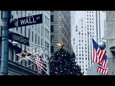 NEW YORK CITY 2018: WALL STREET IS READY FOR CHRISTMAS! [4K]