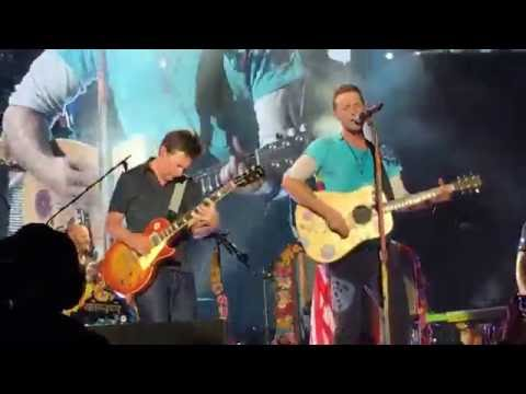 Coldplay w Michael J Fox  Earth Angel and Johnny B. Goode