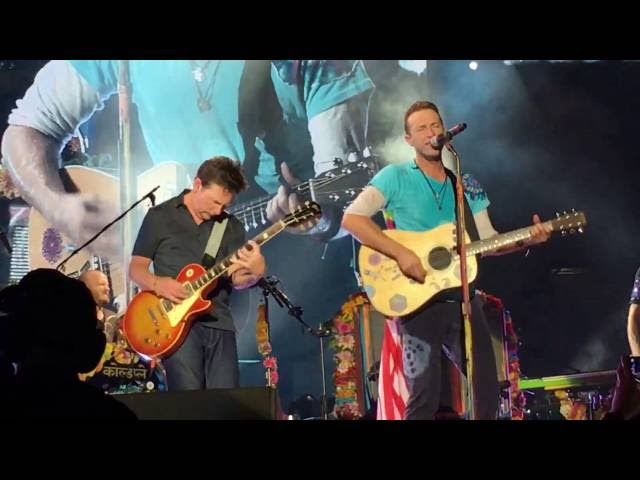 Coldplay w/ Michael J Fox - Earth Angel and Johnny B. Goode