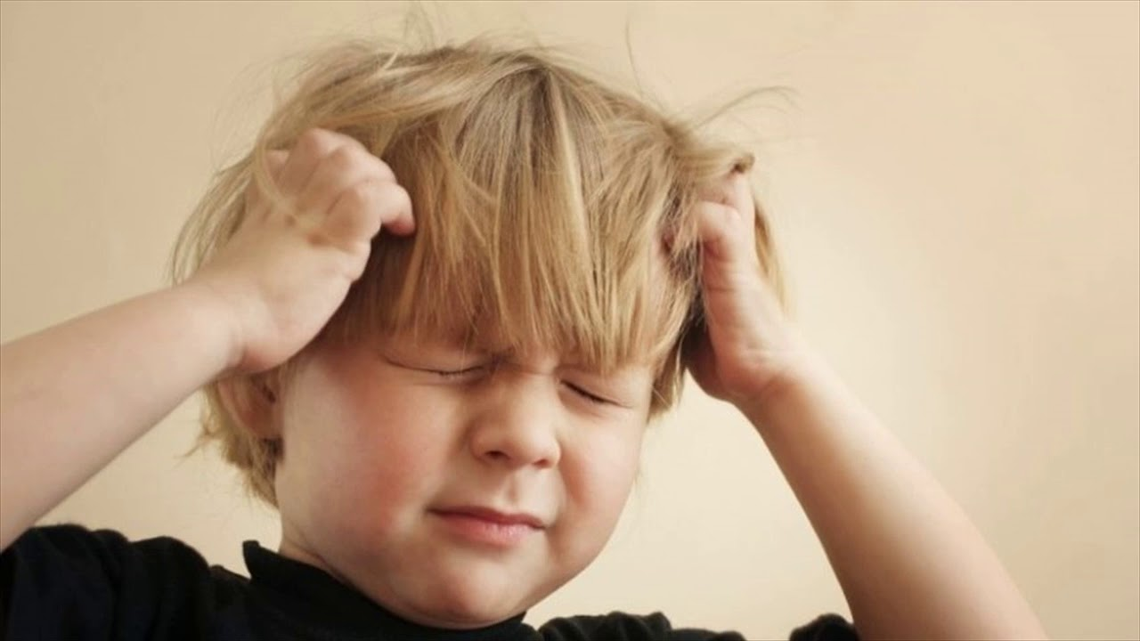 How to understand that a child has a headache