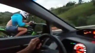 Benga é Benga: Honda Civic Si Turbo vs Kawasaki Z1000
