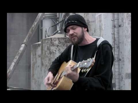 Pete Stewart from Grammatrain performs Damaged