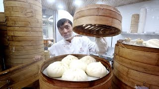 Chinese STREET FOOD Breakfast Tour of Huanghe Road - Buns, Dumplings & Jiangbing | Shanghai, China