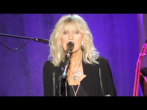 Fleetwood Mac's Everywhere by Lindsey Buckingham & Christine McVie Live on Tour 2017