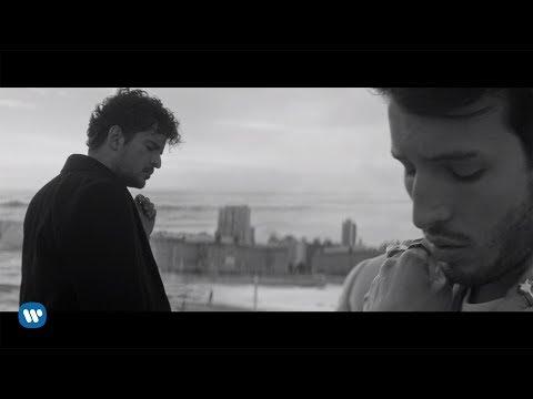 Tommy Torres – Atado Entre Tus Manos ft. Sebastian Yatra