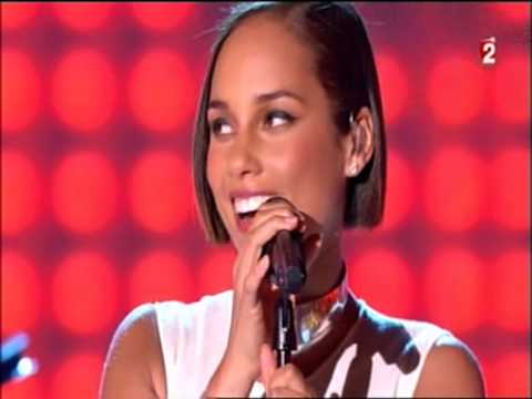 "Alicia keys, en live et ""on fire"" chez Drucker"