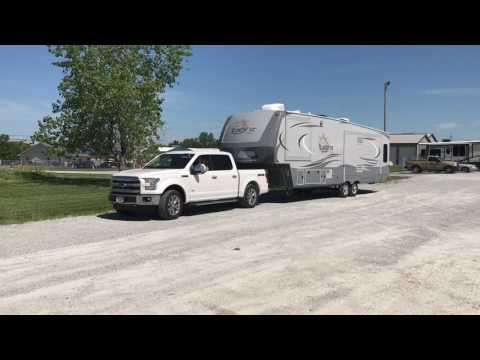 Ford F-150 With 5 1/2 Foot Bed & Open Range Light 5th Wheel Do A 90 Degree Turn
