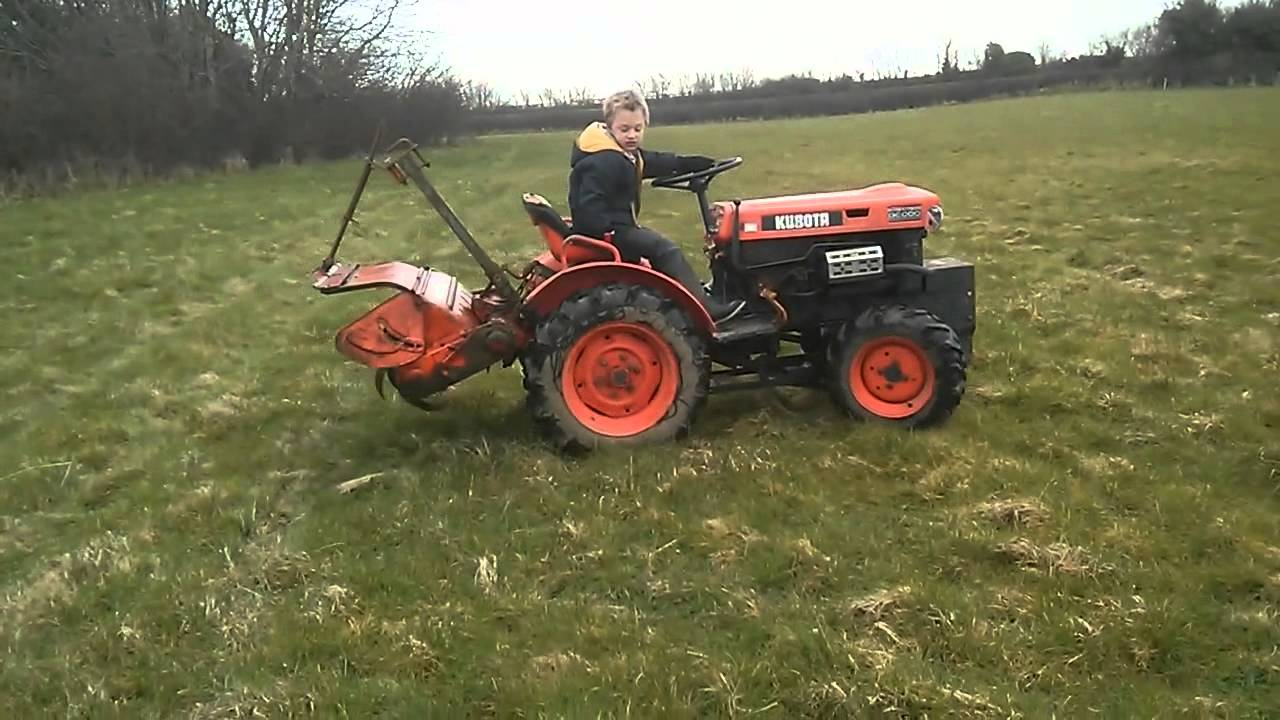 Kubota B6000 4wd Mini Tractor Youtube